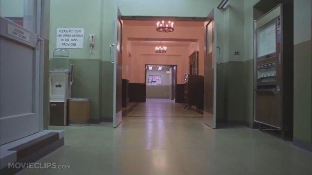 The Shining – İkiz kızların koridorda ortaya çıkması